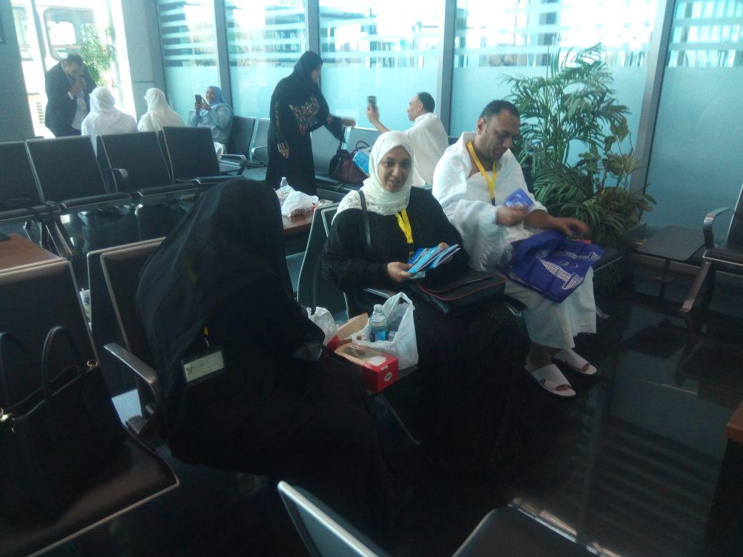 بعثة العاملين بمطار القاهرة تغادر للأراضي المقدسة  (7)