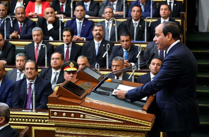 السيسي في البرلمان أثناء إلقاء خطابه