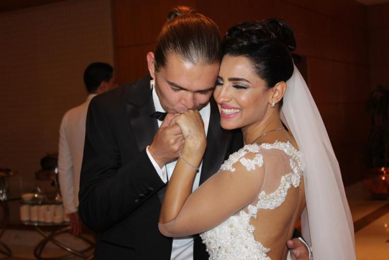 ياسمين كساب مع طليقها الروسي أثناء الزفاف