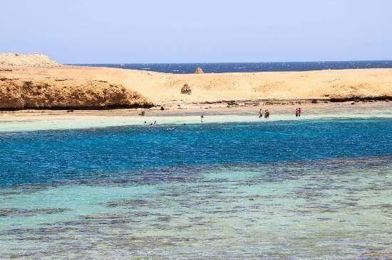 75066-جزر-البحر-الاحمر-(1)