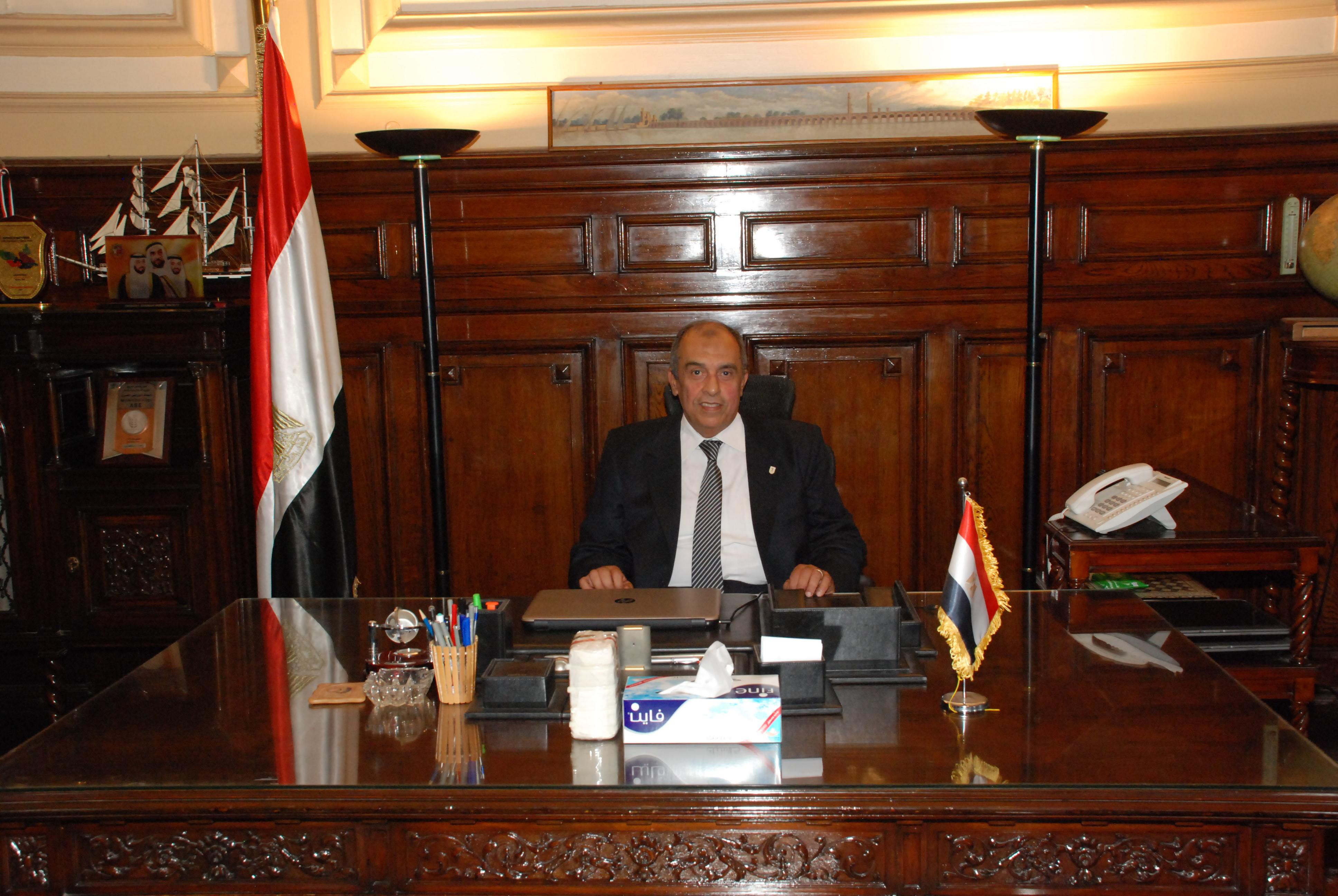 الدكتور-عزالدين-ابوستيت-وزير-الزراعة-واستصلاح-الأراضي