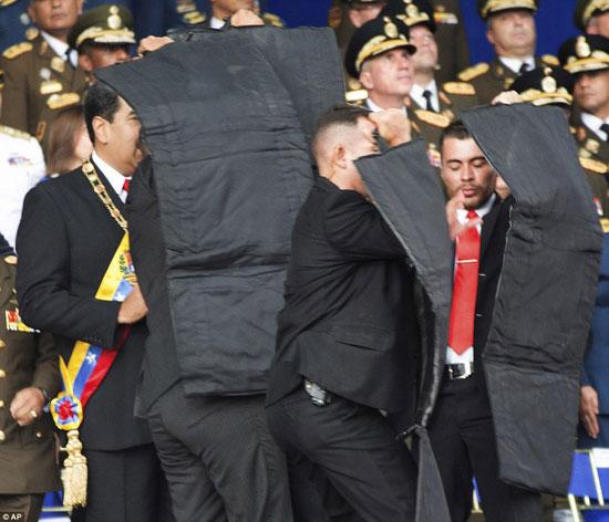 الهجوم-على-الرئيس-الفنزويلى-(7)