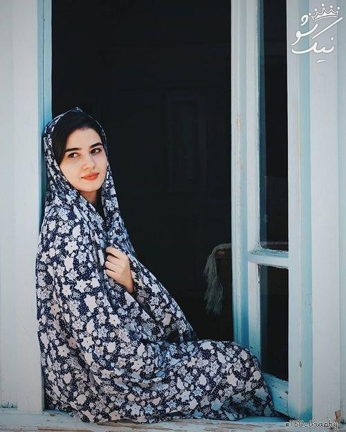 72982-ايرانية-ترتدى-الشادور