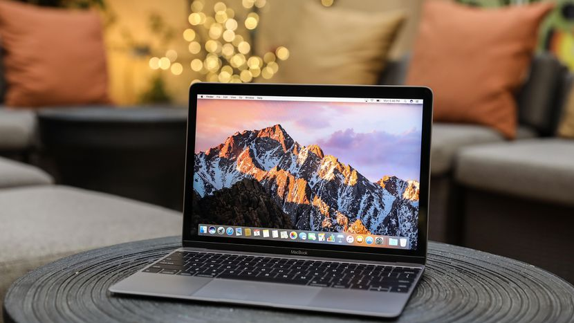 apple-macbook-pro-12-inch-2017-4181