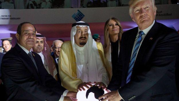 لقاء السيسى وترامب فى قمه الرياض الاسلاميه