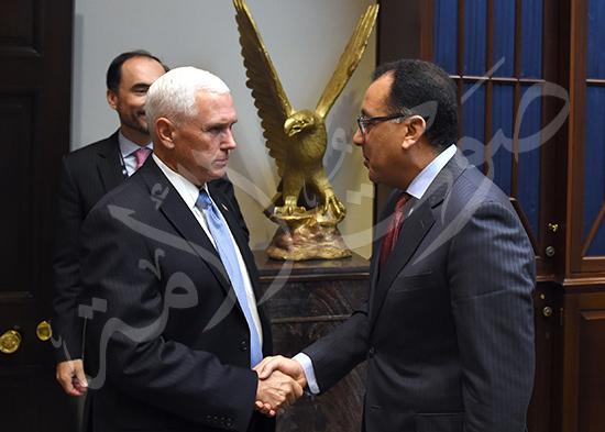 مصطفى مدبولى رئيس الوزراء مع مايك بنس نائب الرئيس الأمريكى (1)