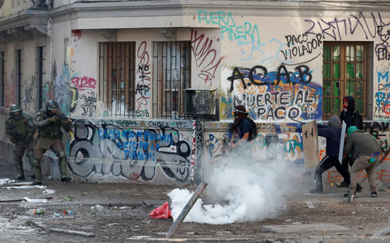 متظاهرو تشيلى استلهموا المشهد البوليفى بعد استقالة موراليس