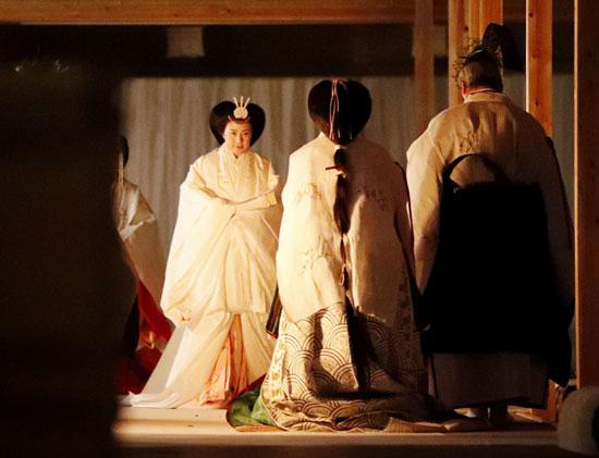 إمبراطورة اليابان تشارك فى الطقوس