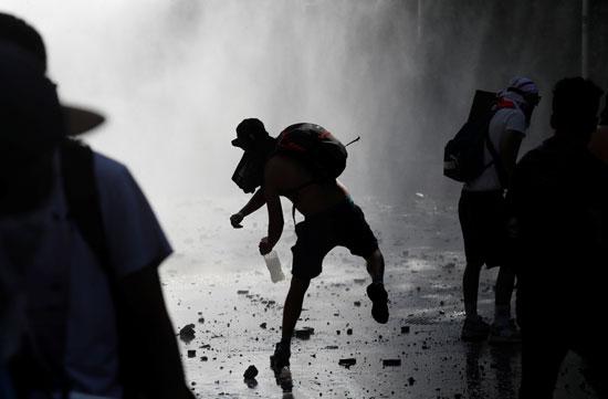مواجهات عنيفة بين الشرطة والمتظاهرين فى تشيلى