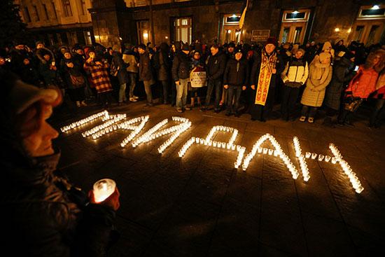 إضاءة الشموع فى أوكرانيا