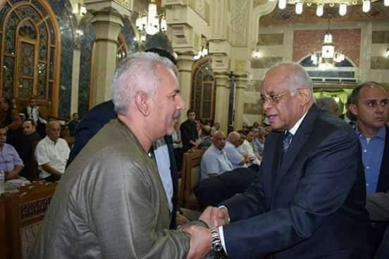 حسين أبوصدام داخل مجلس النواب يصافح رئيس المجلس