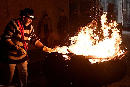 إشعال النار فى ليلة البون فاير