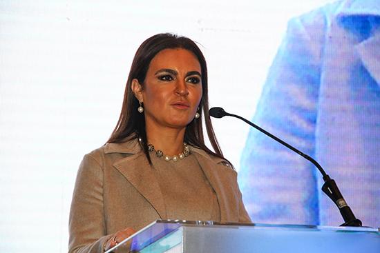 الدكتورة سحر نصر (2)