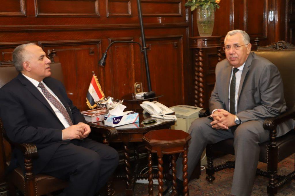 السيد القصير ومحمد عبد العاطى خلال اللقاء