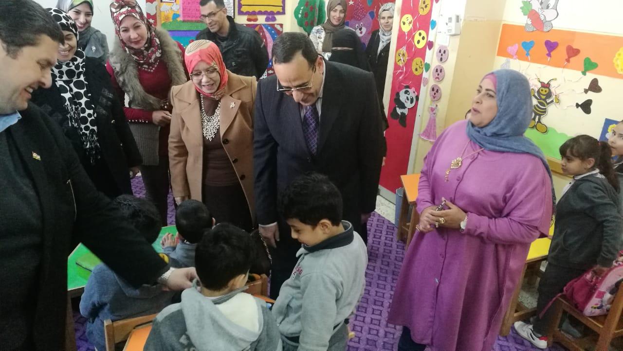 شوشة..يحذرالمواطنين من شائعاتأهل الشرويعفي مدير مدرسة لأهماله بعمله (2)