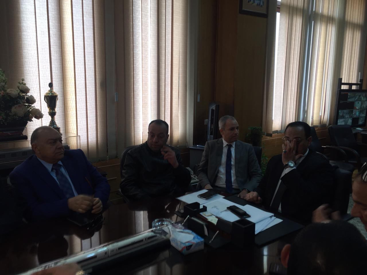 اجتماع مغلق لوفد البرلمان مع رئيس هيئة السكك الحديدية (1)