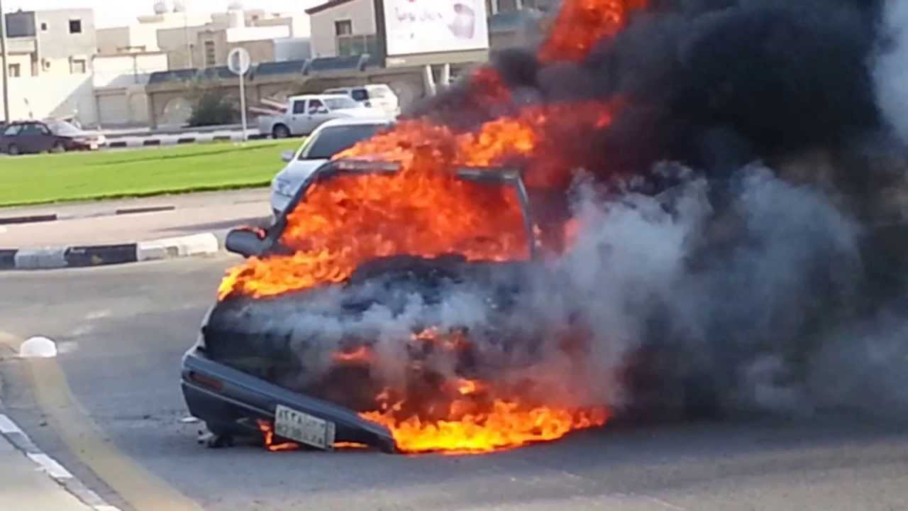 حريق-نشب-بسيارة