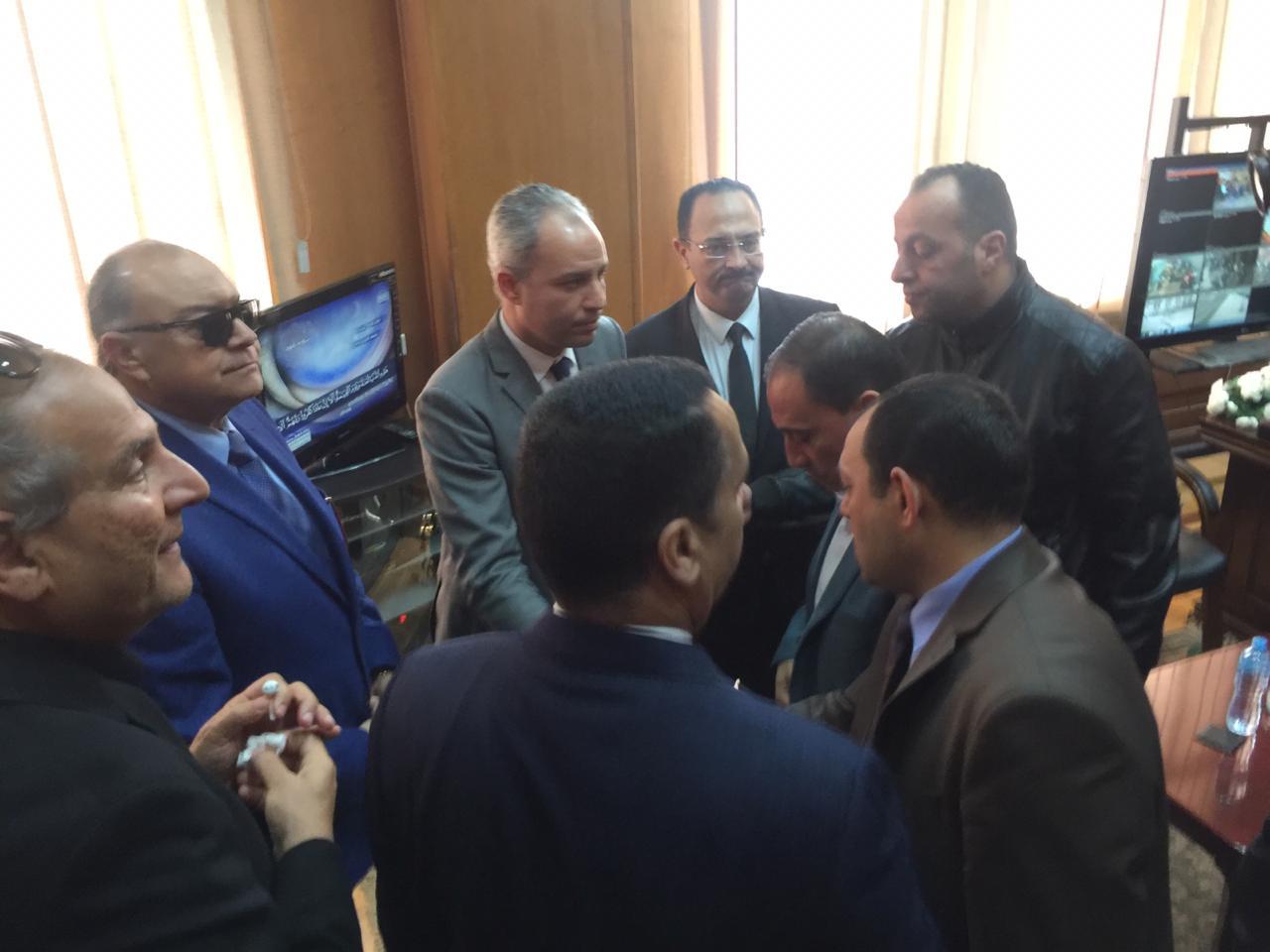 اجتماع مغلق لوفد البرلمان مع رئيس هيئة السكك الحديدية (5)