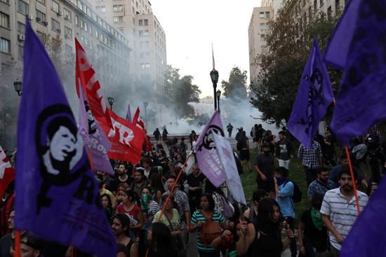احتجاجات ضد قمة بروسور بتشيلى (2)