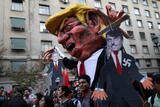 احتجاجات ضد قمة بروسور بتشيلى (3)