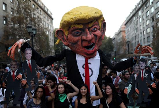 احتجاجات ضد قمة بروسور بتشيلى (5)