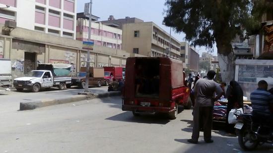 سيارات نقل المواشى وسيلة موصلات سكان الكُنيسة بالهرم (4)
