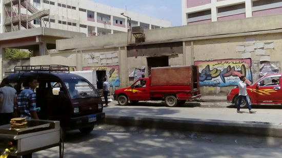 سيارات نقل المواشى وسيلة موصلات سكان الكُنيسة بالهرم (3)
