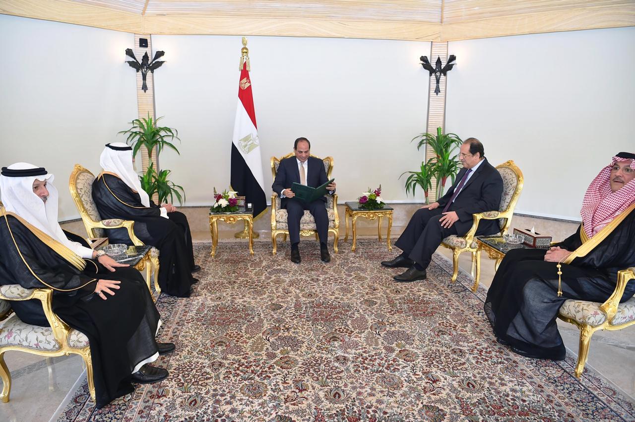 الرئيس السيسى يتسلم رسالة من خادم الحرمين (2)