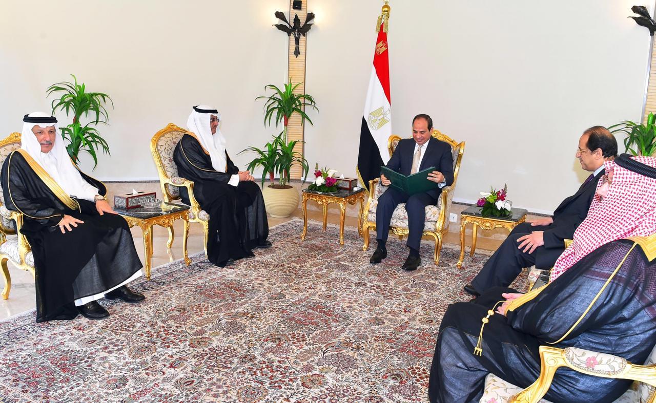 الرئيس السيسى يتسلم رسالة من خادم الحرمين (1)