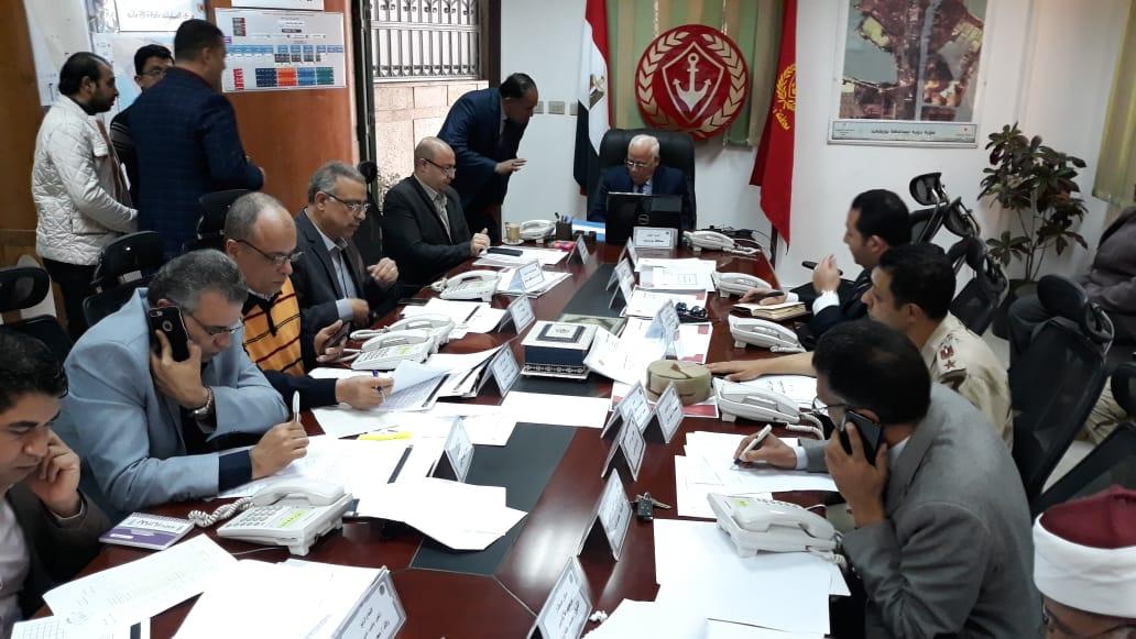 محافظ بورسعيد يترأس غرفة العمليات الرئيسية للاستفتاء علي الدستور (3)