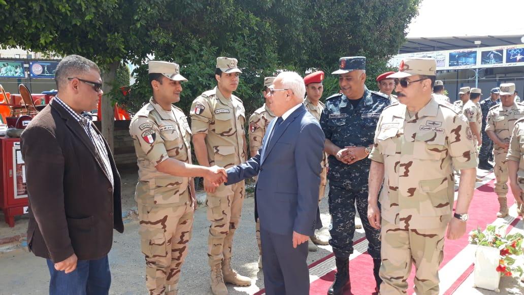 محافظ  بورسعيد  يتفقد عدد من  لجان الاستفتاء على التعديلات الدستورية وسط إقبال كبير من المواطنين (4)