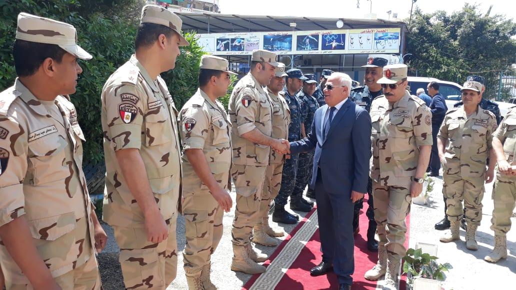 محافظ  بورسعيد  يتفقد عدد من  لجان الاستفتاء على التعديلات الدستورية وسط إقبال كبير من المواطنين (10)