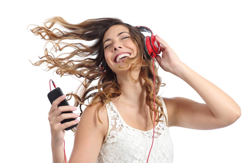 الاستماع الي الموسيقى