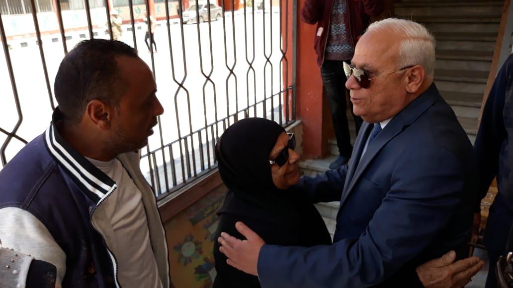 محافظ  بورسعيد  يتفقد عدد من  لجان الاستفتاء على التعديلات الدستورية وسط إقبال كبير من المواطنين (5)
