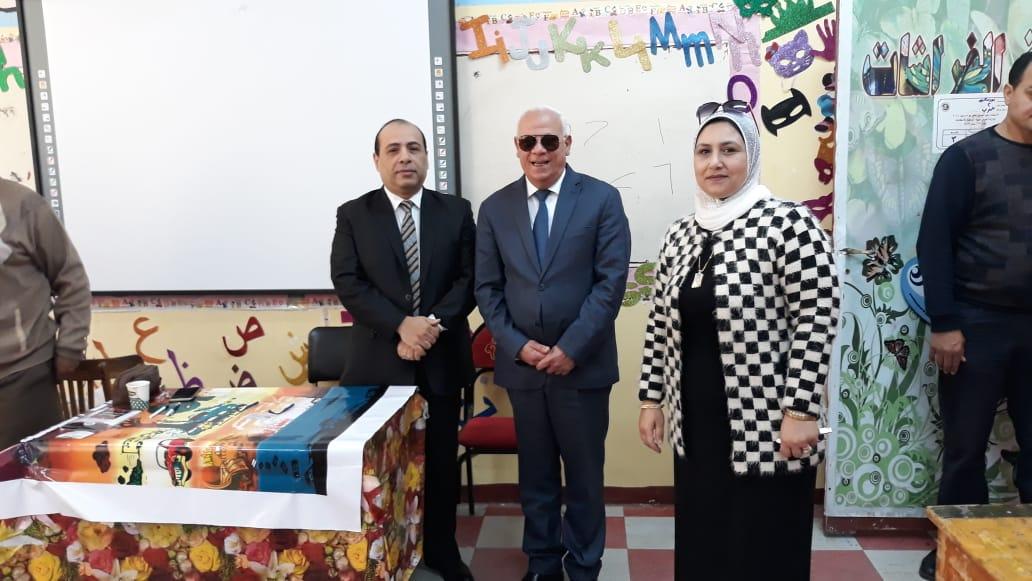 محافظ  بورسعيد  يتفقد عدد من  لجان الاستفتاء على التعديلات الدستورية وسط إقبال كبير من المواطنين (12)