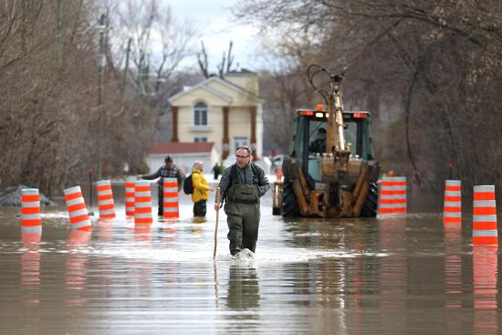 الفيضانات فى كندا (7)