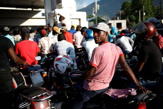 7792374-تفاقم-أزمة-الوقود-فى-هايتى--(3)