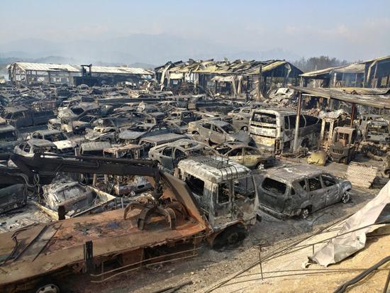 حريق هائل فى شمال كوريا الجنوبية (9)