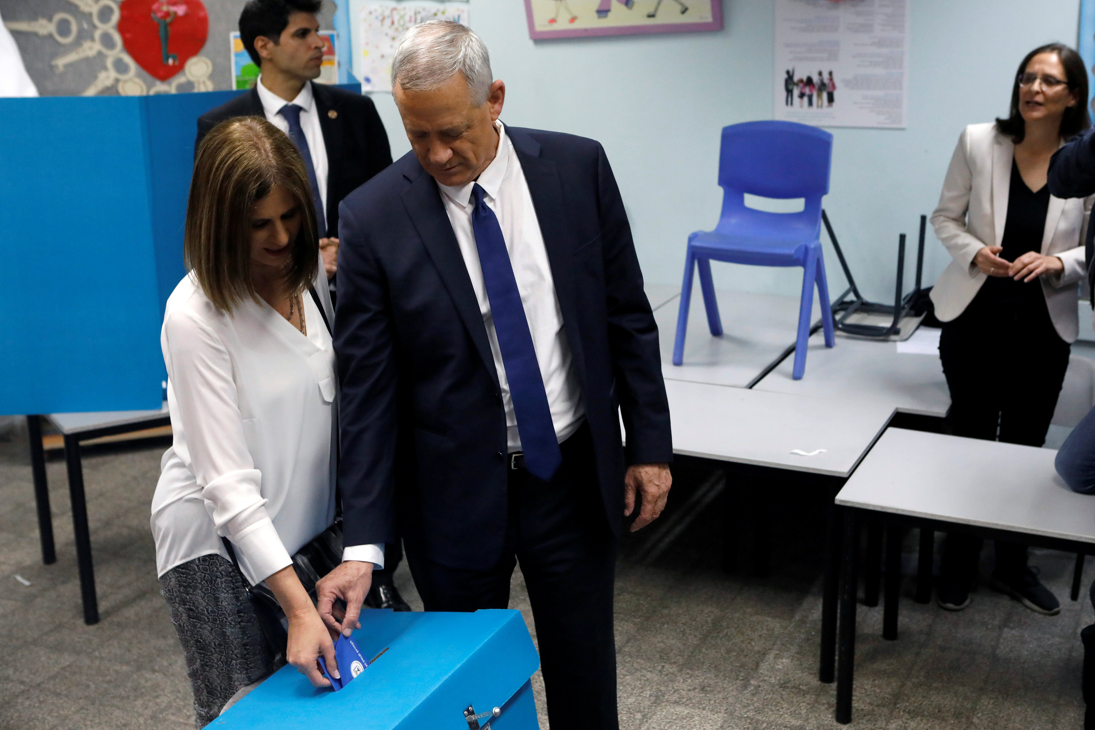 2019-04-09t063809z_67310358_rc1c76367000_rtrmadp_3_israel-election-gantz-votes