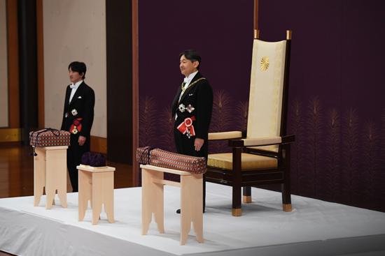 امبراطور اليابان  (6)