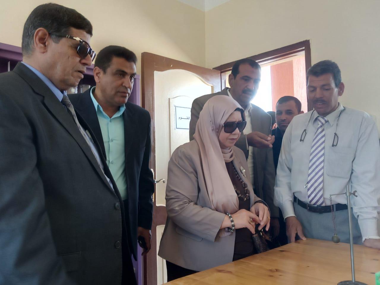 محافظ شمال سيناء يفتتح توسعات مدرسة  الشهيد رائد عمرو فريد بقرية الكرامة (1)
