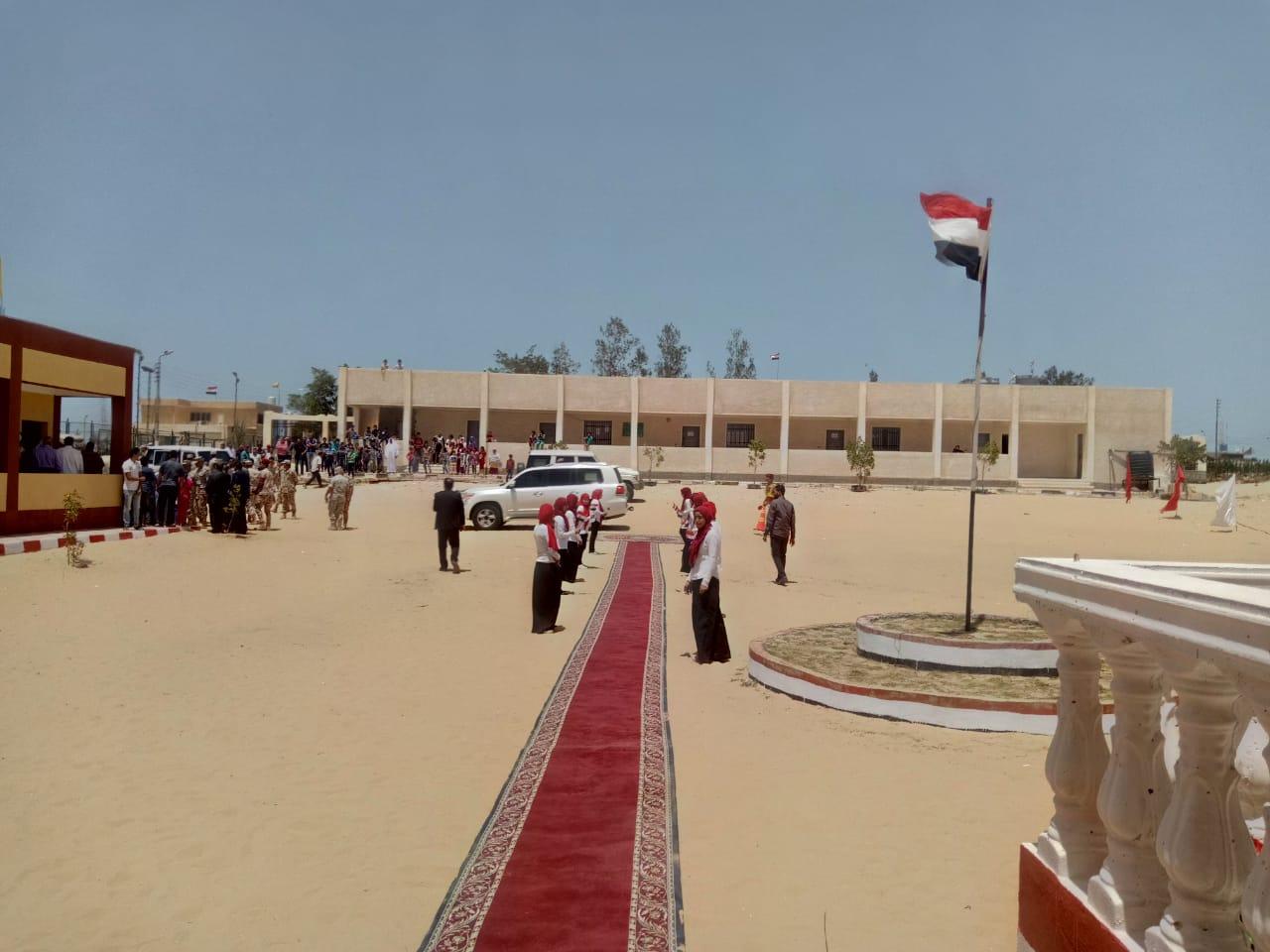 محافظ شمال سيناء يفتتح توسعات مدرسة  الشهيد رائد عمرو فريد بقرية الكرامة (16)