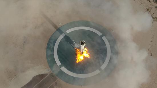 لحظة إطلاق الصاروخ نيو شيبرد  (6)