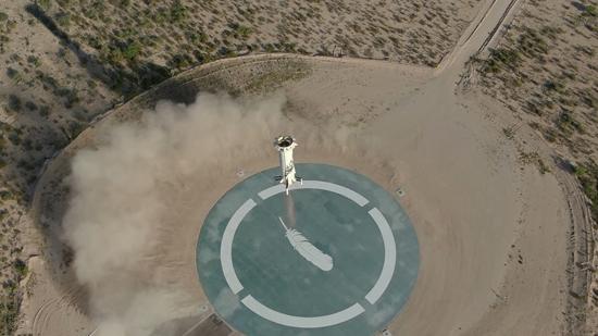 لحظة إطلاق الصاروخ نيو شيبرد  (5)