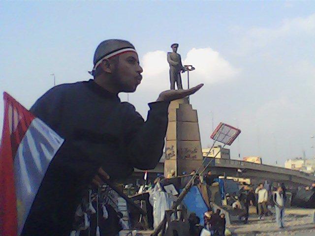تامر جمال فى ميدان عبد المنعم رياض