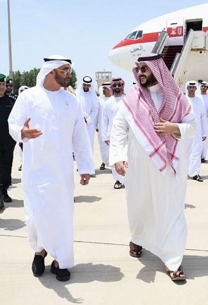 محمد بن زايد يصل جدة