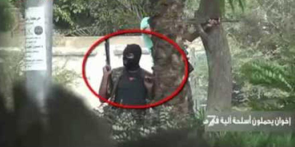 إخوان يحملون أسلحة آلية في اعتصام رابعة