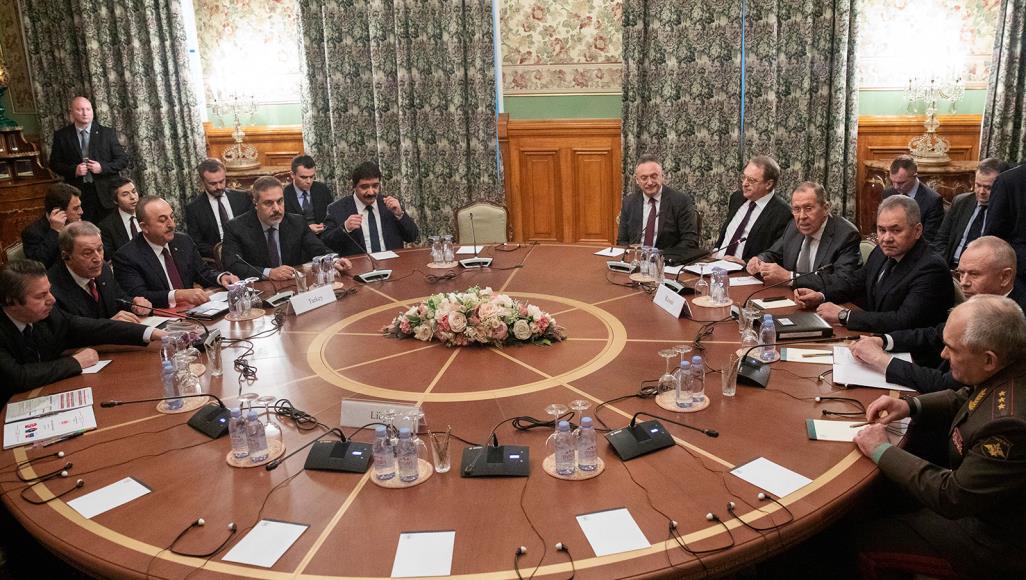 الجانب الروسي والتركي خلال المفاوضات