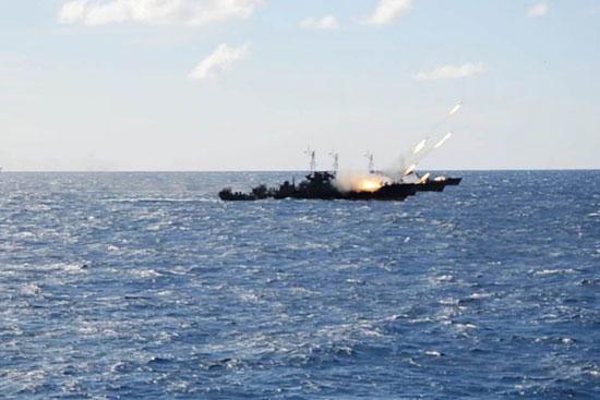 القوات البحرية تنفذ عملية تدريبية فى البحر المتوسط (2)