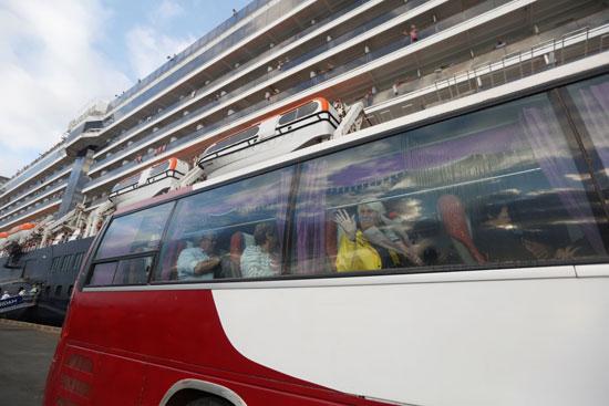 حافلات مجهزة لاستقبال الركاب